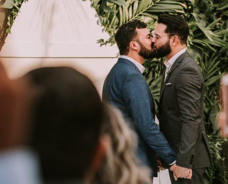 Hochzeitskuss Männer
